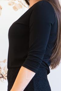 Krajkové černé šaty s 3/4 rukávy