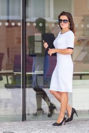 Luxusní bílo-černé dámské šaty