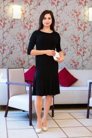 Dámské černé šaty ke kolenům