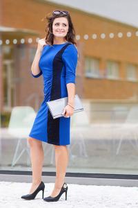 Luxusní dámské šaty s krajkou královsky modré