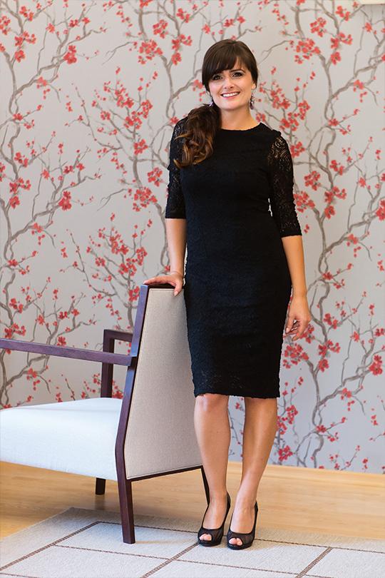 Luxusní krajkové šaty s rukávy Veraal - černé